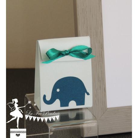 Boite à dragées bleu pastel éléphant et ruban pétrole
