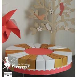 Gâteau de dragées 24 parts Corail, doré & blanc nacré