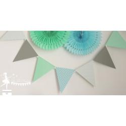 Guirlande de fanions bleu pastel gris et vert mint