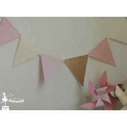 Guirlande de fanions rose pastel ivoire et doré