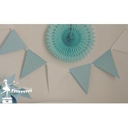 Guirlande de fanions bleu pastel & blanc