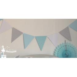 Guirlande de fanions bleu pastel gris clair et blanc