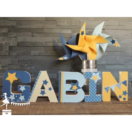 1 Lettre décorée 12cm Etoile bleu pastel, marine et jaune