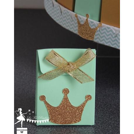 Boite à dragées vert amande  couronne et ruban dorés