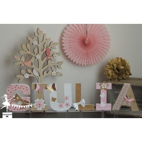 1 Lettre décorée 12cm papillon et fleur rose kraft doré et blanc
