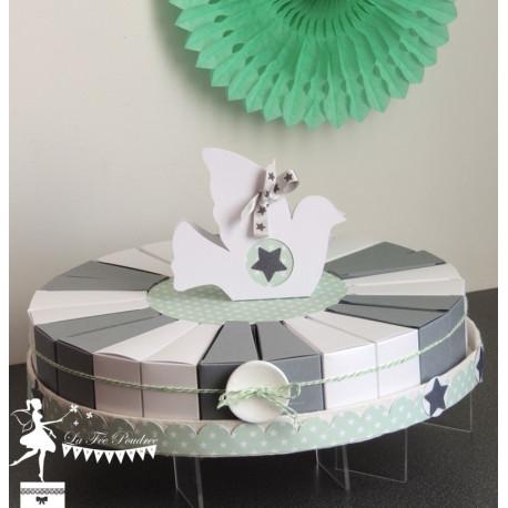 Gateau de dragées 24 parts gris et blanc touche vert mint