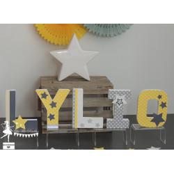 Lettre décorée 12cm Etoile jaune et gris déco garçon