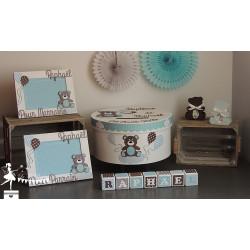 1 Cube prénom décoré chocolat, bleu pastel et blanc