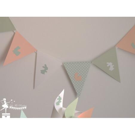 Guirlande de fanions vert mint, pêche et blanc décor lapin