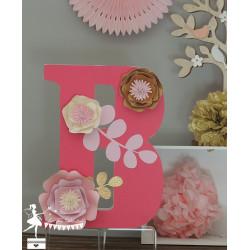 1 Initiale 30 cm décorée Fleurs 3D fuchsia, rose, ivoire et doré