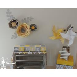 1 Cube décoré jaune, gris et blanc étoile et nuage