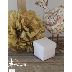 Cube à dragées blanc gaufré