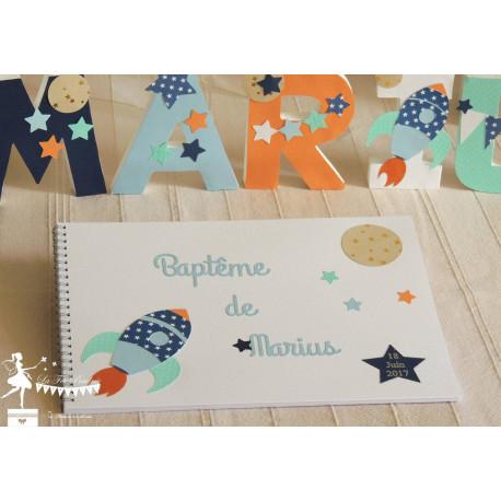 Livre d'or ESSENTIEL Fusée et étoiles bleu marine, bleu pastel, orange et vert mint