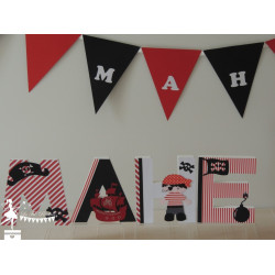 Lettre décorée 12cm Pirate rouge, noir et blanc