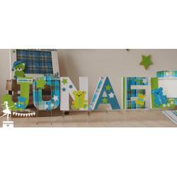 Lettre décorée 12cm nounours madras étoiles bleu vert anis blanc