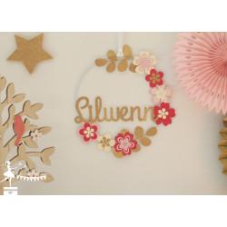 Cercle décoré prénom thème fleur fuschia, rose pastel et doré
