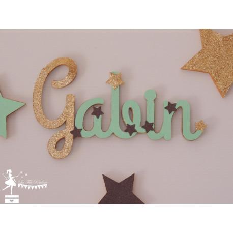 Prénom bois stylisé - Plaque de porte Etoiles vert mint, chocolat et doré