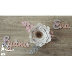 Prénom bois stylisé - Plaque de porte Papillon rose pastel, gris et blanc