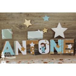 1 Lettre décorée 12cm Le Petit Prince Bleu pastel, marine et doré