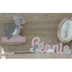 Prénom bois stylisé - Plaque de porte thème souris Rose nacré, blanc et gris