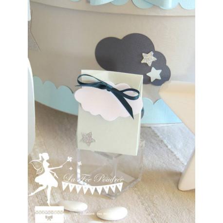 Boite à dragées bleu nacré nuage et mini étoile et ruban argent