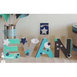 1 Lettre décorée 12cm étoile turquoise gris et marine