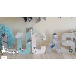 1 Lettre décorée 20 cm Etoiles & nuages bleu pastel gris & blanc touche pétrole