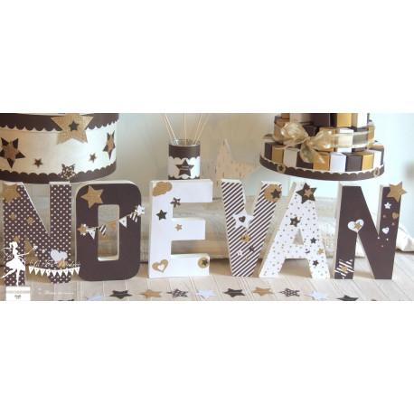 Lettre décorée 20 cm Etoile chocolat blanc neigeux & doré PRIX UNITAIRE