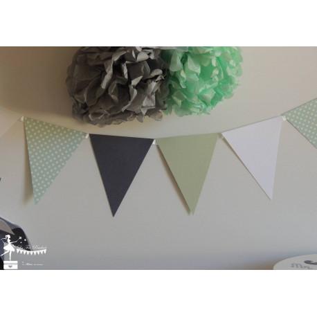 Guirlande de fanions vert mint gris foncé et blanc