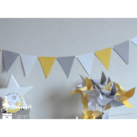 Guirlande de fanions jaune gris foncé et blanc