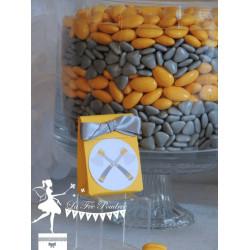 Boite à dragées jaune tomahawk et ruban gris
