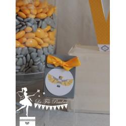 Boite à dragées grise totem et ruban jaune