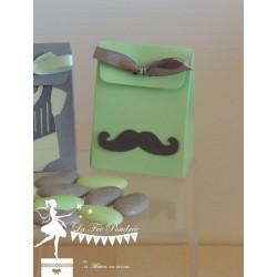 Boite à dragées vert mint et moustache et ruban gris