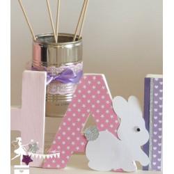 Lettre décorée 12cm thème lapin rose parme et  blanc PRIX UNITAIRE