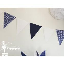 Guirlande de fanions bleu marine et blanc