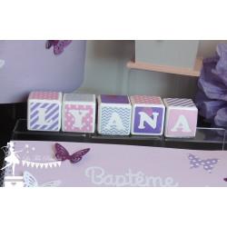 Cubes prénom décorés rose parme et banc