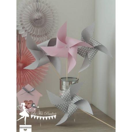 10 Moulins à vent rose pastel et gris clair