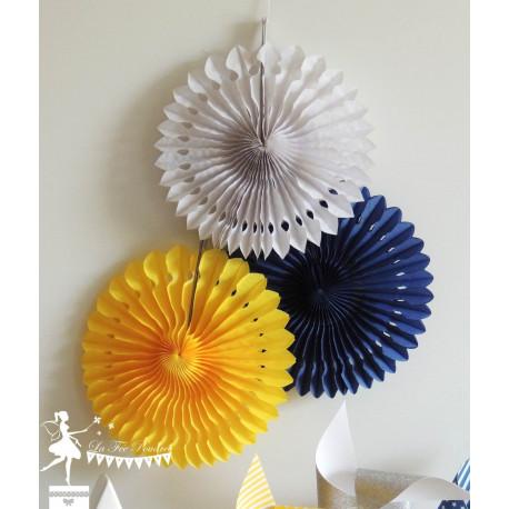 Lot de 3 pompons dentelle bleu marine jaune et blanc