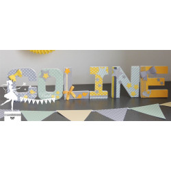 Lettre décorée 12 cm Etoiles vert mint jaune & gris