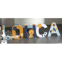 Lettre décorée 12cm étoiles lion bleu ciel marine et jaune