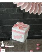 Boite a dragées Thème gourmandise et moulin rose et blanche